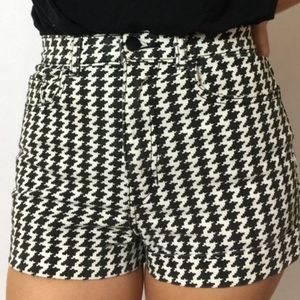 American Apparel Black and White Shorts 24